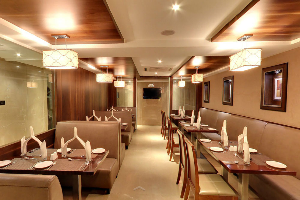 Best Panjabi Fine Dining Restaurant, Good Hotels in Ambawadi, Hotels near Panjrapole, Hotels near CG road