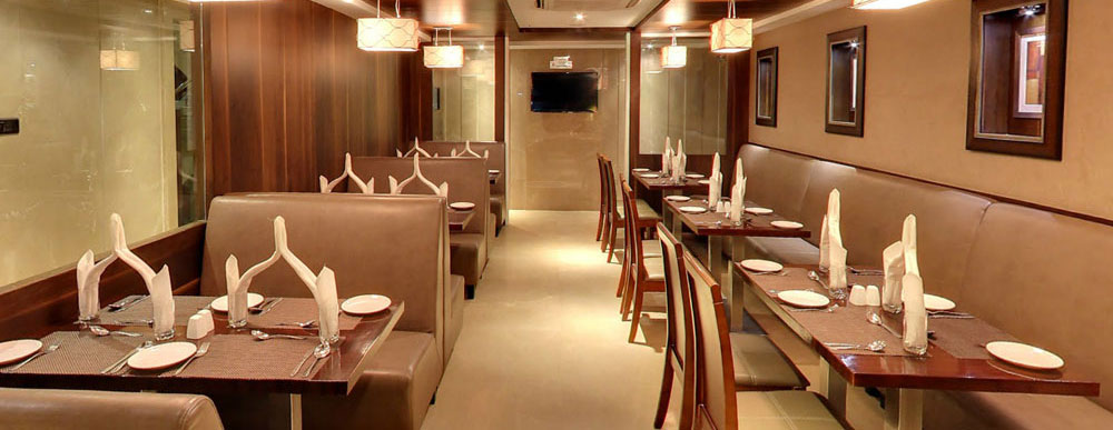 Hotels With Restaurants In Ahmedabad Veg Restaurant Ambawadi Complimentary Breakfast Hotel